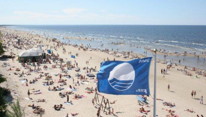 В Юрмале в этом году нет ни одного пляжа, отмеченного Синим флагом