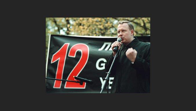 Apmierina 'tēvzemiešu' Eiropas Parlamenta deputātu prasību pret Kabanovu