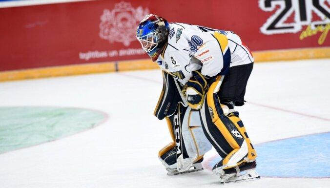 'Liepājas' hokejisti OHL mačā negaidīti uzvar čempionus 'Kurbadu'