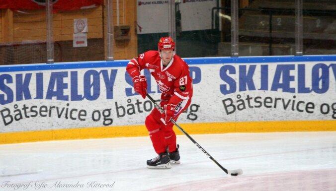 Norvēģijas 'ilgdzīvotājs' Ponomarenko pievienojas hokeja klubam 'Sparta'