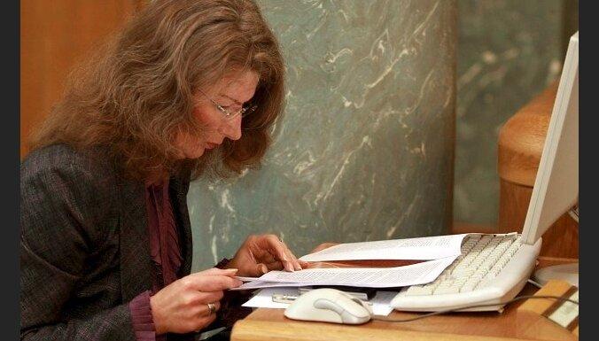 Šlesers vīpsnā par Sudrabas reputācijas novērtējumu tiesas procesā