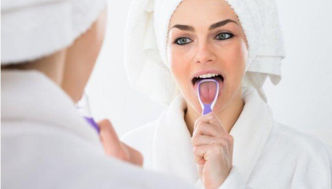 Боль в ухе и другие малоизвестные симптомы, которые могут указывать на рак языка