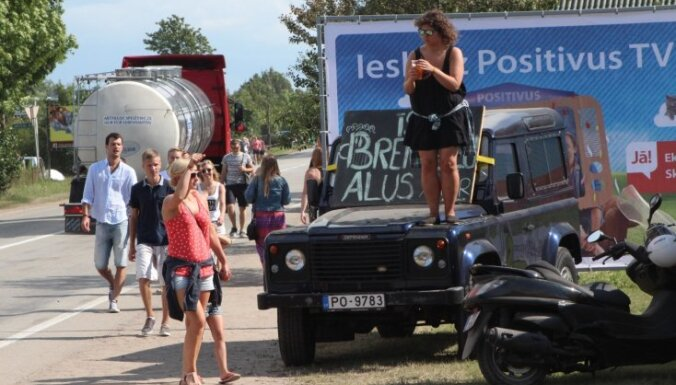 'Positivus' apmeklētājs aizmirst, kur novietojis automašīnu; festivālā pieaug pārkāpumu skaits