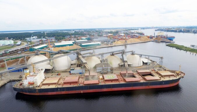 В Рижском порту в самом разгаре сезон перевалки зерна