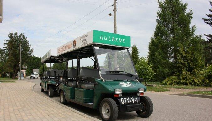 Elektrovilcieniņš Gulbenē atsāk braucienus, aicinot iepazīt pilsētu