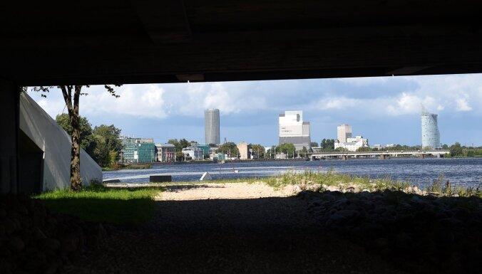Salu tilta remontdarbu laikā gājis bojā cilvēks
