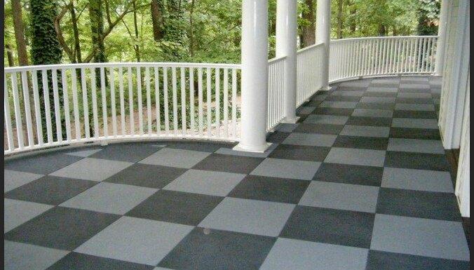 Ekonomisks risinājums balkona vai terases segumam - gumijas flīzes