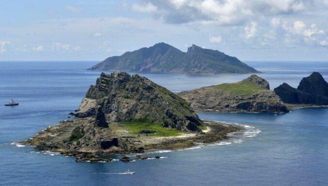 Ķīna nosūta patruļkuģus uz strīdīgajām salām