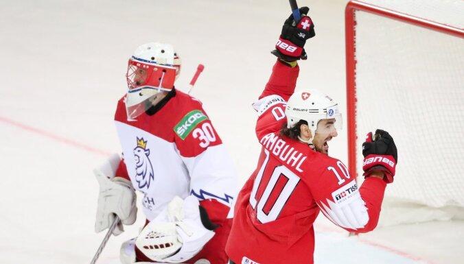 Šveices izlase ar pārliecinošu uzvaru sagādā Čehijai jau otro zaudējumu