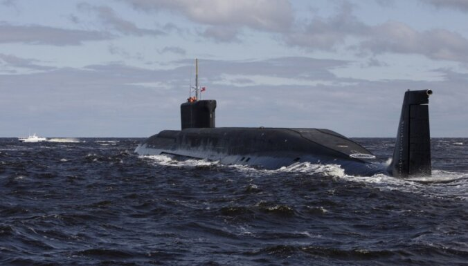 Krievija Atlantijas okeāna ziemeļos izvērsusi plašas zemūdeņu mācības