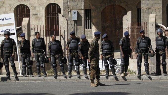 Neprecīzu pavēļu dēļ Jemenā nogalināti 14 cilvēki