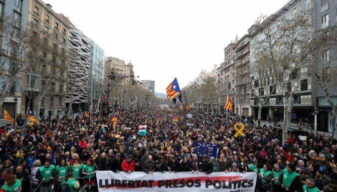 ФОТО: В Каталонии прошел митинг против задержания Пучдемона