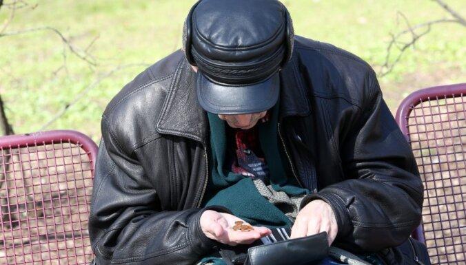 Комиссия Сейма поддержала сокращение размера пособия по безработице и длительности его выплаты