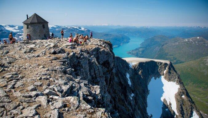 Atpūta pie Skaala torņa Norvēģijā