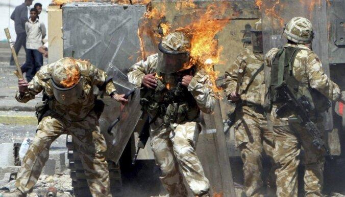 Lielbritānija likvidē izmeklēšanas komisiju par Irākā it kā pastrādātiem noziegumiem