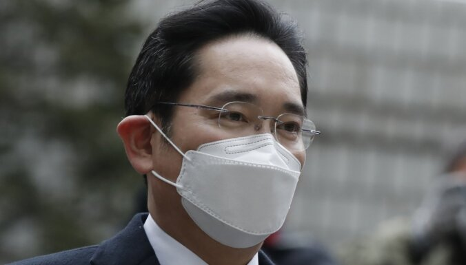 Фактический глава Samsung приговорен к 30 месяцам тюрьмы по делу о взятках