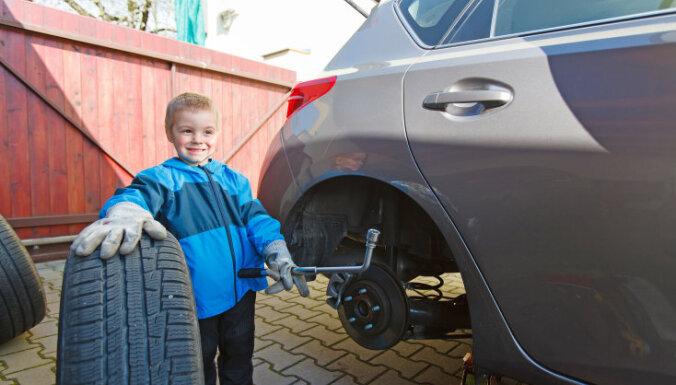 С 1 декабря на дорогах Латвии нужно ездить только на зимних шинах