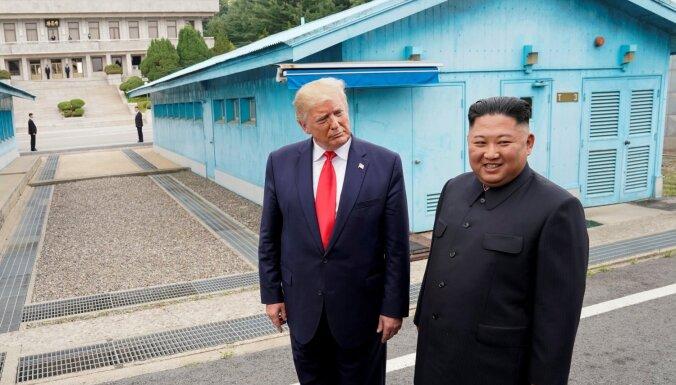 Boltons kļūdījās Ziemeļkorejas jautājumā, paskaidro Tramps
