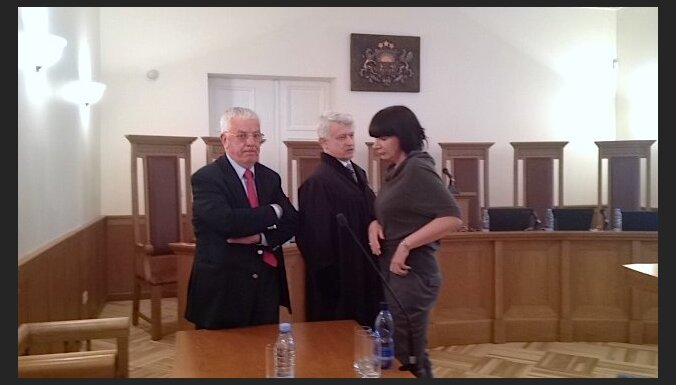 'Krājbankas' sāga: Pauls un Anča zaudē Satversmes tiesā