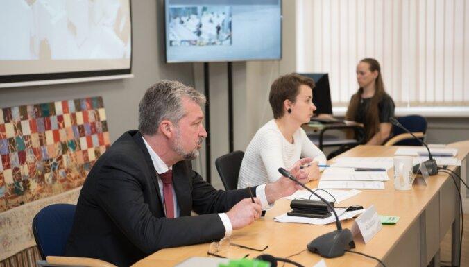'KPV LV' iztur kritiku; Saeima noraida PVN samazinājumu tūrisma nozarei