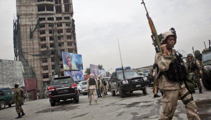 Pie NATO bāzes Afganistānas austrumos atskan sprādziens