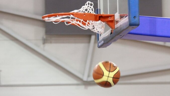 LBL Zvaigžņu spēlē vietējo basketbolistu komanda izrauj uzvaru pret līgas leģionāriem