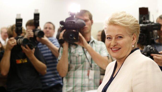 """Грибаускайте выделилась, воздержавшись при единогласном голосовании по """"первым лицам"""" ЕС"""