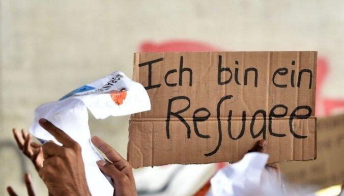Francijā apšaudīts topošais migrantu centrs