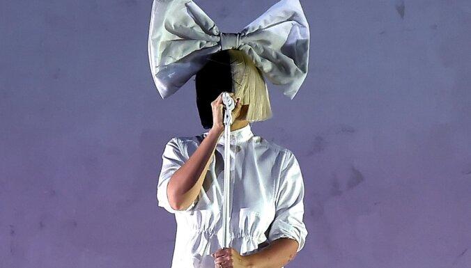 Sliktāko filmu parādē visvairāk balvu saņēmusi dziedātāja Sia un 'Music'