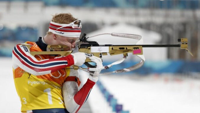 Норвежские биатлонисты выиграли эстафету, Россия — третья, Латвия не финишировала