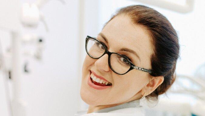 """""""Со мной не страшно"""". Латвийский блогер-стоматолог ведет в Instagram зубную азбуку"""