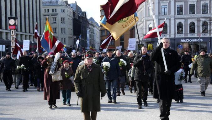 ФОТО, ВИДЕО: В Риге состоялось шествие памяти легионеров, есть задержанные