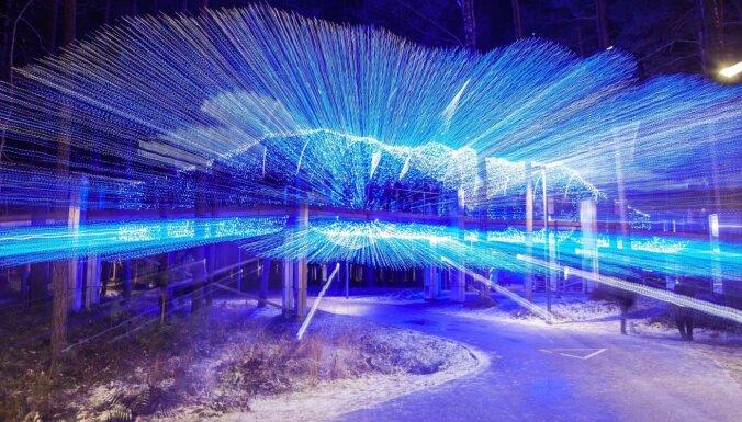 Foto: Jūrmalā atklāts iespaidīgais Gaismas parks