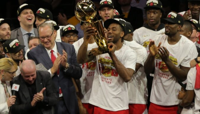 'Raptors' basketbolisti pirmo reizi izcīna NBA čempionu titulu