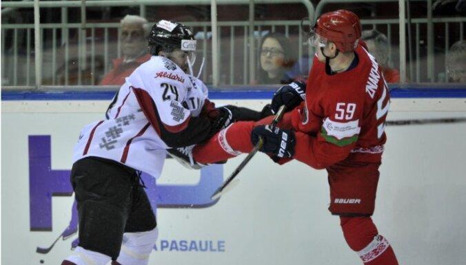 Latvijas izlase ar vāju sniegumu vairākumā piekāpjas baltkrieviem