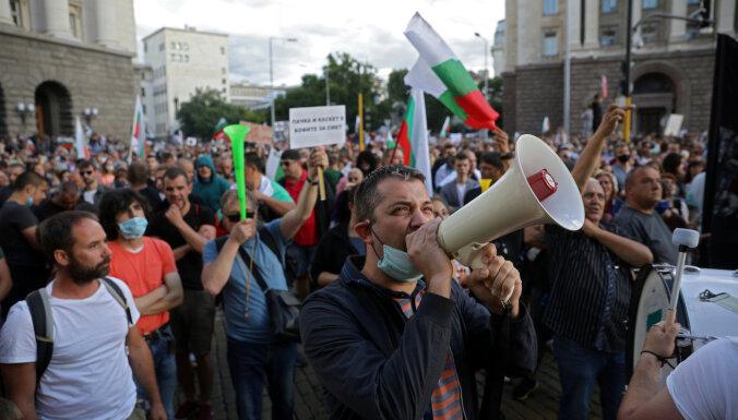 ФОТО. Беспорядки в Софии: митингующие требуют отставки председателя Совета министров