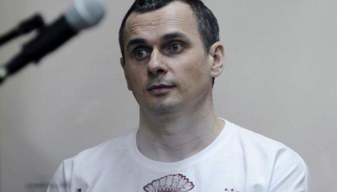 У голодающего в российской тюрьме Сенцова начались проблемы с почками и сердцем