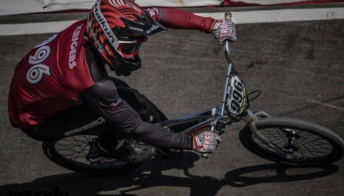 Latvijas čempionāta elites grupās 'Štromberga trasē' uzvar Krīgers un Pētersone
