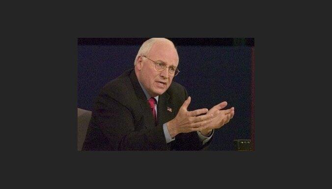 Čeinijs: par sekmēm Irākā pateicība pienākas arī Bušam