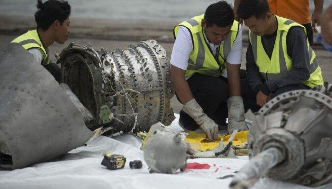 Nokritušo 'Boeing' vajadzēja pārstāt izmantot, ziņo Indonēzijas varasiestādes