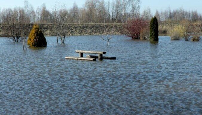 Vidzemē viskritiskākā situācija Gulbenē; nākamnedēļ plūdi gaidāmi arī Valmierā