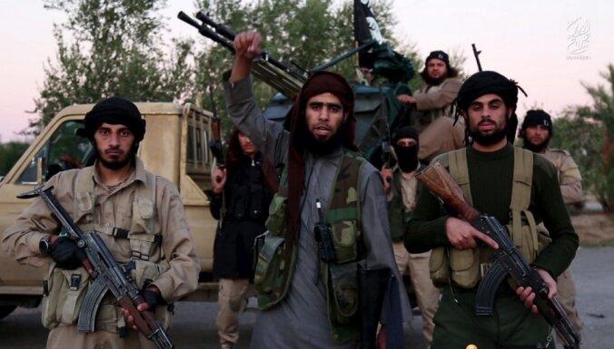 """ВИДЕО: джихадисты ИГИЛ пригрозили странам Балтии """"пламенем войны"""""""