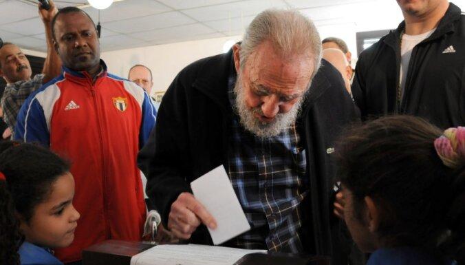 Фидель Кастро неожиданно пришел голосовать на выборы