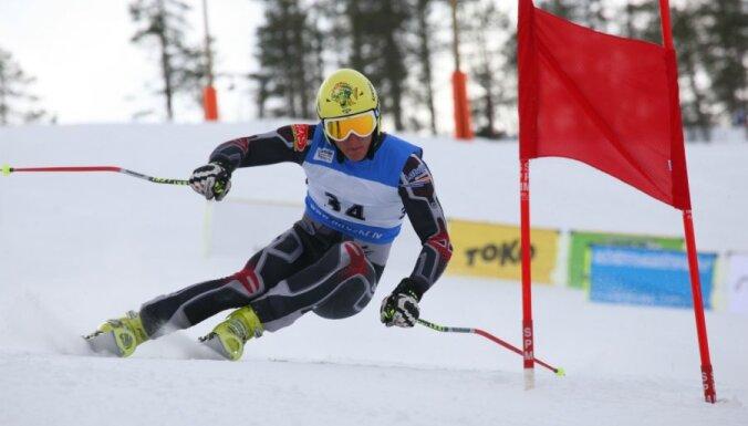 Kalnu slēpotājam Zvejniekam 2.vieta superkombinācijā Norvēģijā
