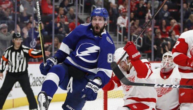 Кучеров вторым в XXI веке набрал в НХЛ 125 очков, Овечкин обошел Кросби