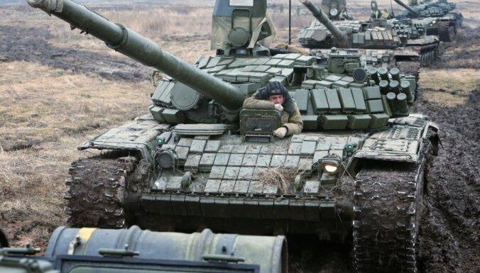 Putins pavēlējis 'atvilkt' karaspēku no Ukrainas pierobežas