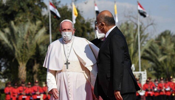 Исторический визит папы римского Франциска в Ирак: месса на стадионе и опасения за безопасность