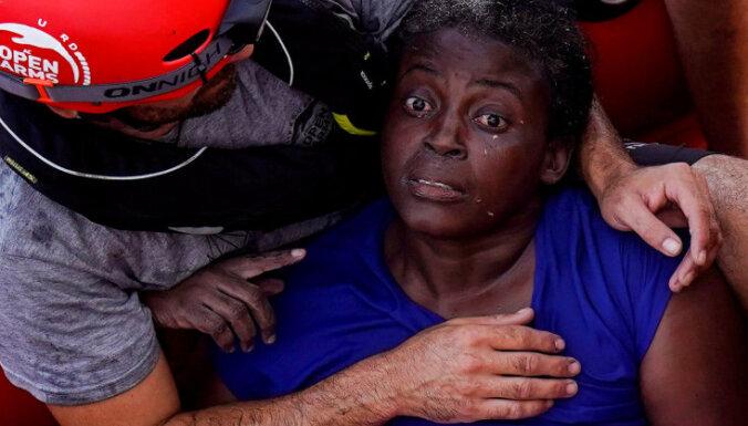 Spāņu aktīvisti neatsaucības dēļ beidz palīdzības misiju Lībijas piekrastē