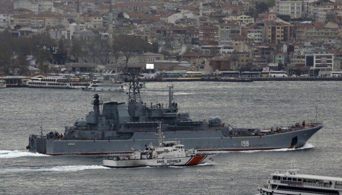 Шедший в Сирию российский десантный корабль столкнулся с сухогрузом