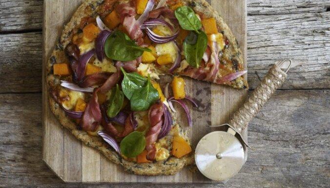 Pilngraudu pica ar ķirbi, bekonu un spinātiem